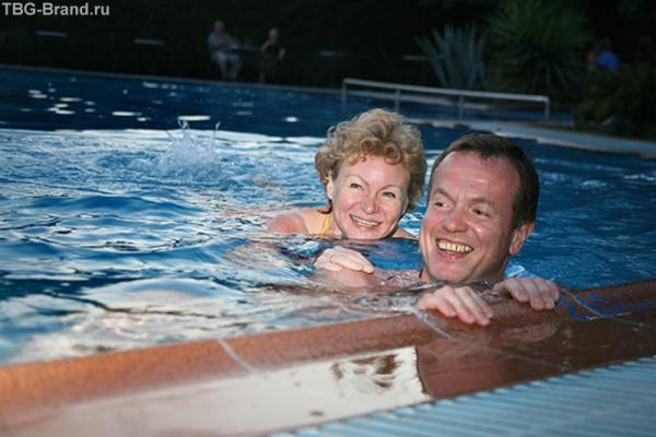 И мы делали заплыв в бассейне, но это не мы. Но и нам было весело не меньше!