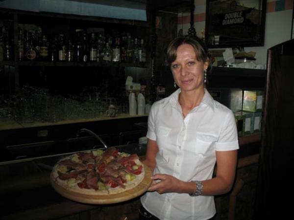 """Пицца в баре """"Занзибар"""""""