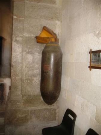 Бомба в центральном соборе ( Тропея)