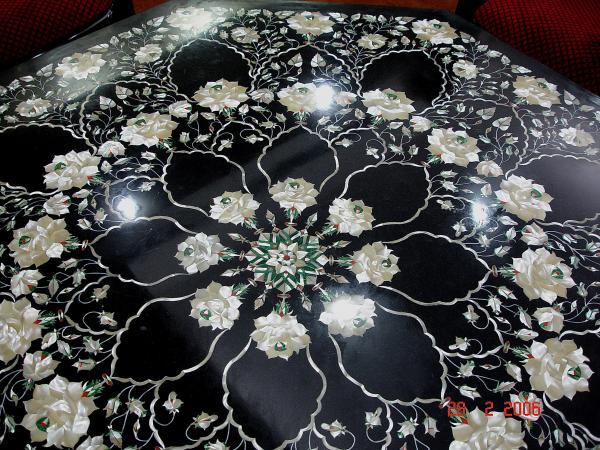 Ажурный столик