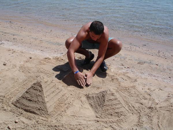 Строитель пирамид