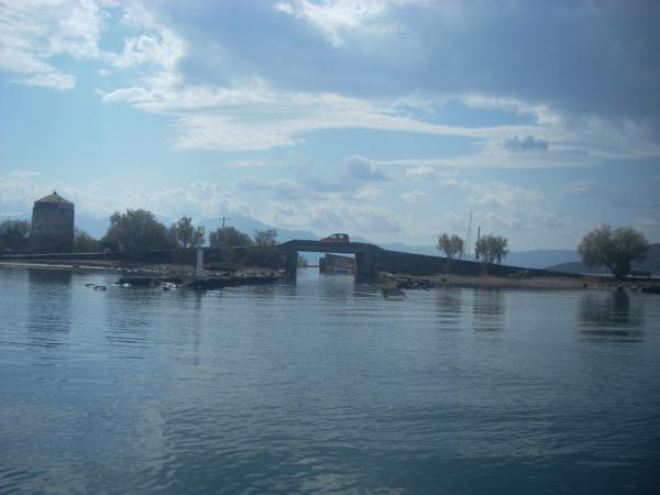 Мост на Kolokitha island