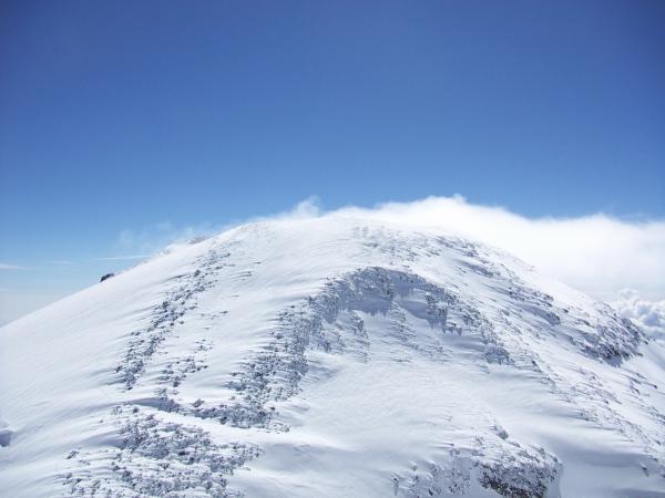 Вид на Восточную вершину с Западной