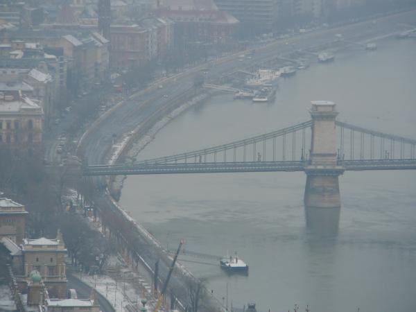 Цепной мост. Венгры вообще гордятся своими мостами=)