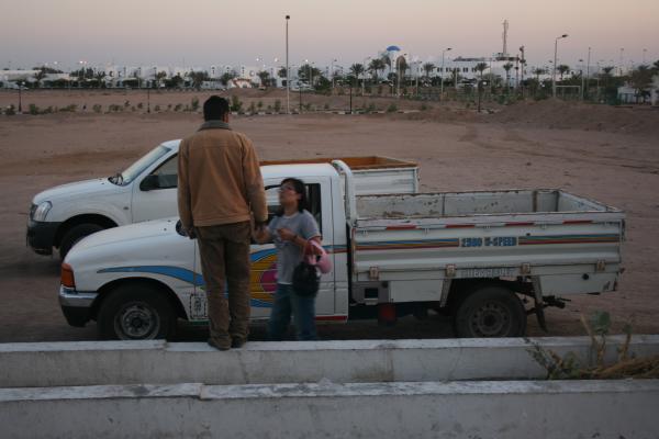 такси Дахаба (пассажир - в багажнике)