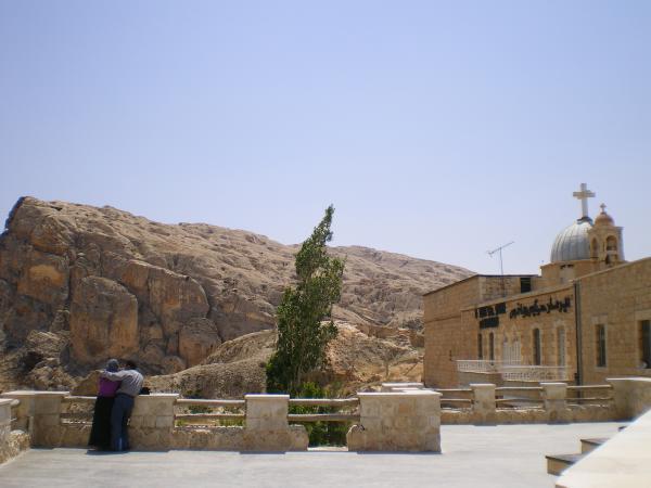 У монастыря святых Сергия и Вакха (Бахуса)