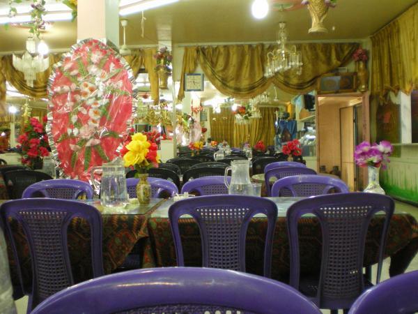 Придорожное кафе в Пальмире
