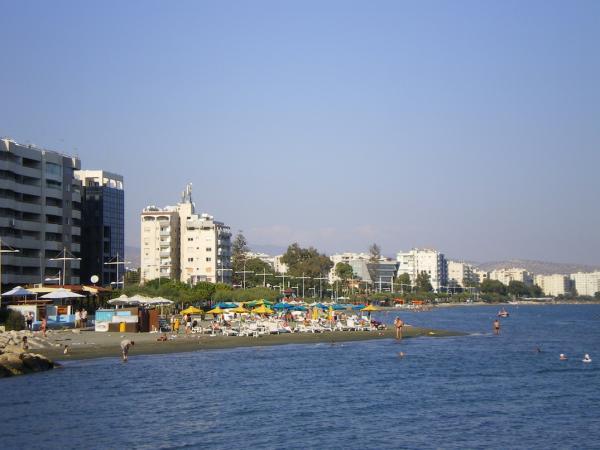Лимассольский городской пляж