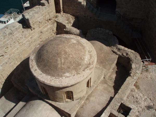 Византийская базилика в крепости в Кирении