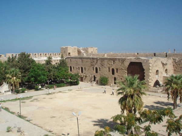 В крепости Кирении