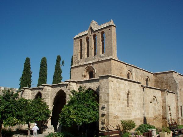 В аббатстве Беллапаис