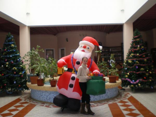 Придорожный Дед Мороз