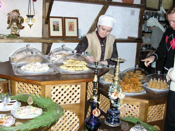 В восточном кафе в Евпатории