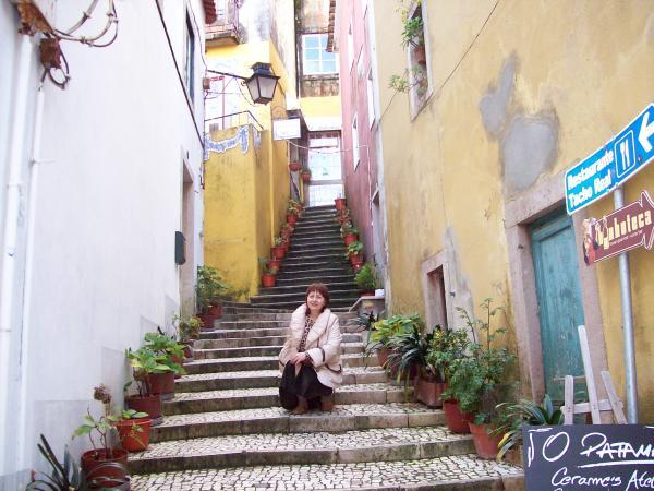 Вниз по лестнице ведущей вверх