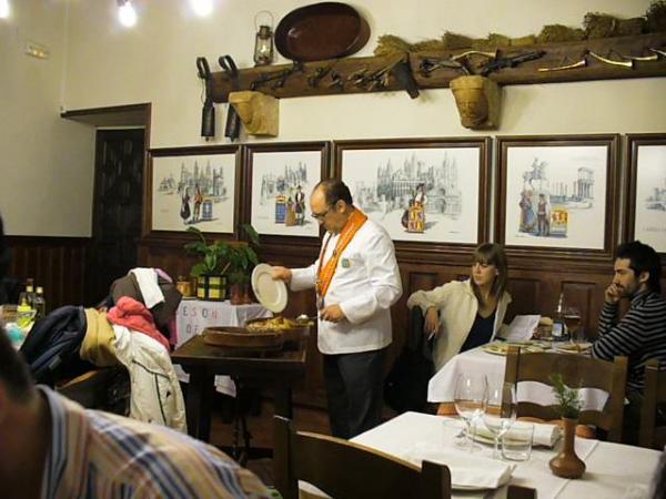 Сеговия-шеф-повар ресторана Jose Maria