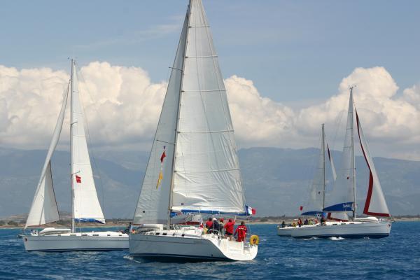 Красивые паруса и ветер - чего еще надо участнику регаты?