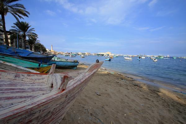 лодки на набережной