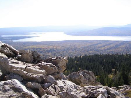 Озеро Зюраткуль. Вид с хребта