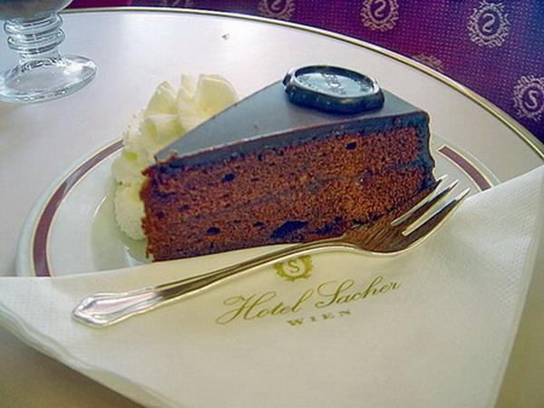 Фирменный торт Захер