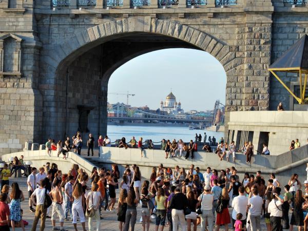 Латиноамериканские танцы у Андреевского моста
