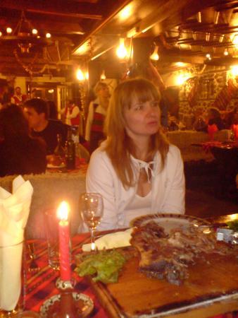 В механе - ресторане национальной кухни