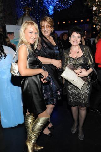 """Блогеры и дилеры - сестры навек! Stervochka-m и Irma, блогеры сайта TBG-Brand.ru с Натальей Авериной (в центре) """"Цезар"""""""