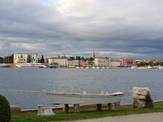 Панорама Пореча с острова.
