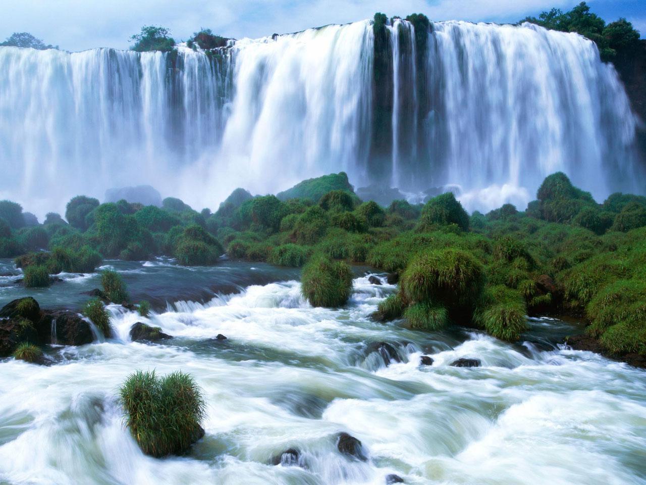 Падающая вода или водопады мира