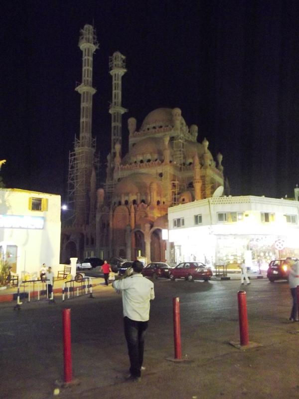 Египет без туристов, или что можно купить в Москве за 200 долларов.