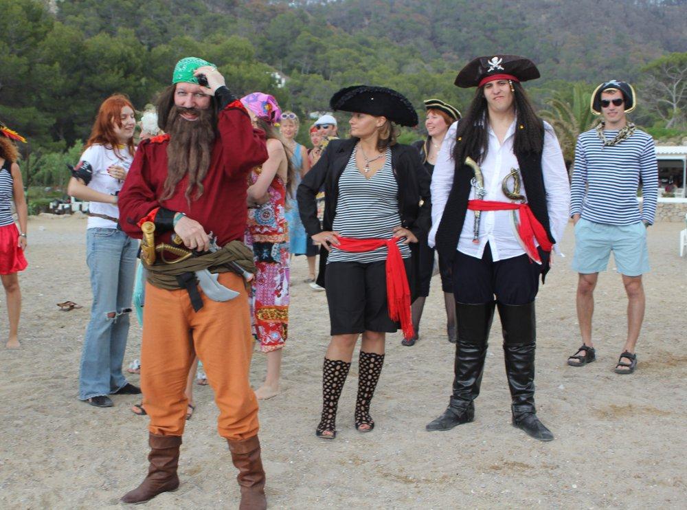 Удивительная Ибица. Часть 2. Пиратский флаг и цветы, вплетенные в волосы