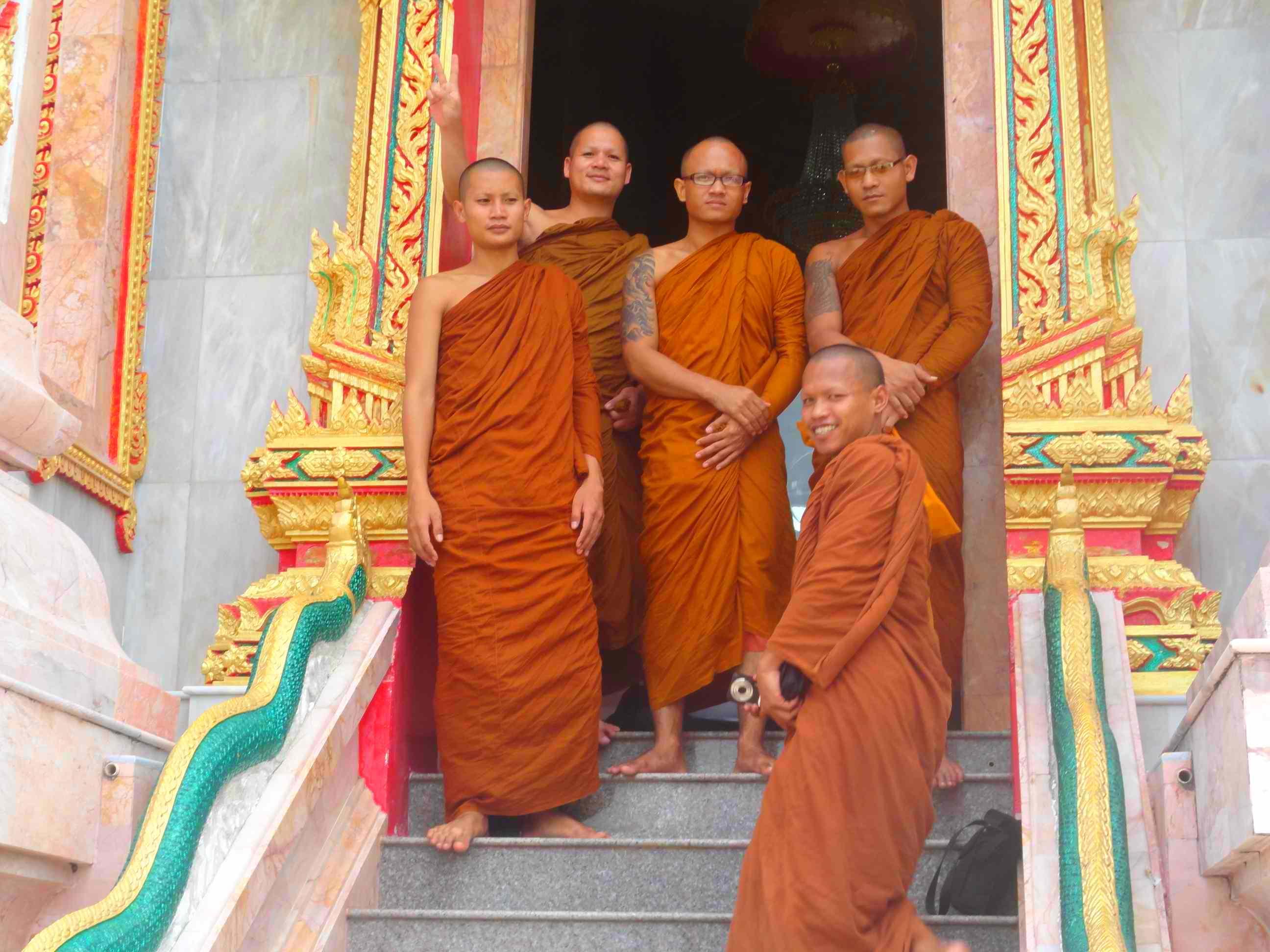 Сёрфинг с примесью буддизма. Пхукет 2011