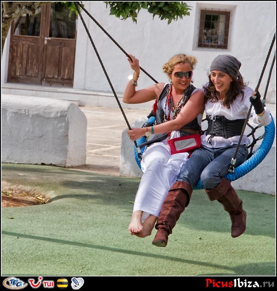 Десятая песнь акына про блоггеров... 11.06.2011. Пираты VS Хиппи - Три