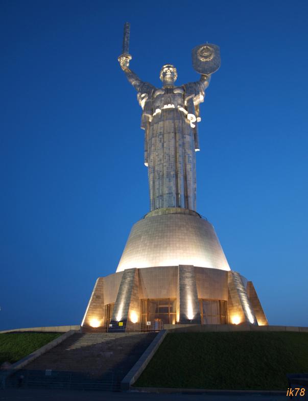Апрельские хождения. Киев, от рассвета до заката.