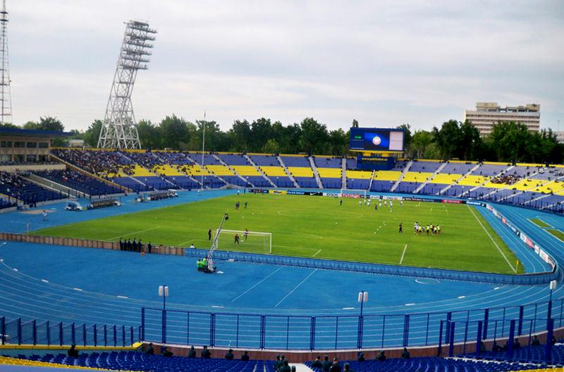 http://www.tourblogger.ru/sites/default/files/user/29097/photos/800px-pakhtakor_stadium_in_tashkent.jpg