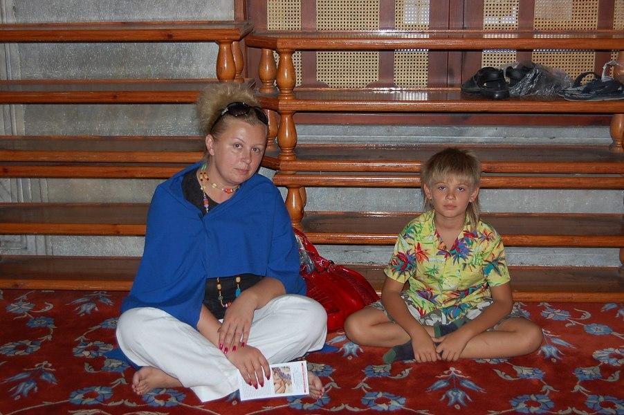 мамаша с ребенком и без трусов фото № 401243 бесплатно