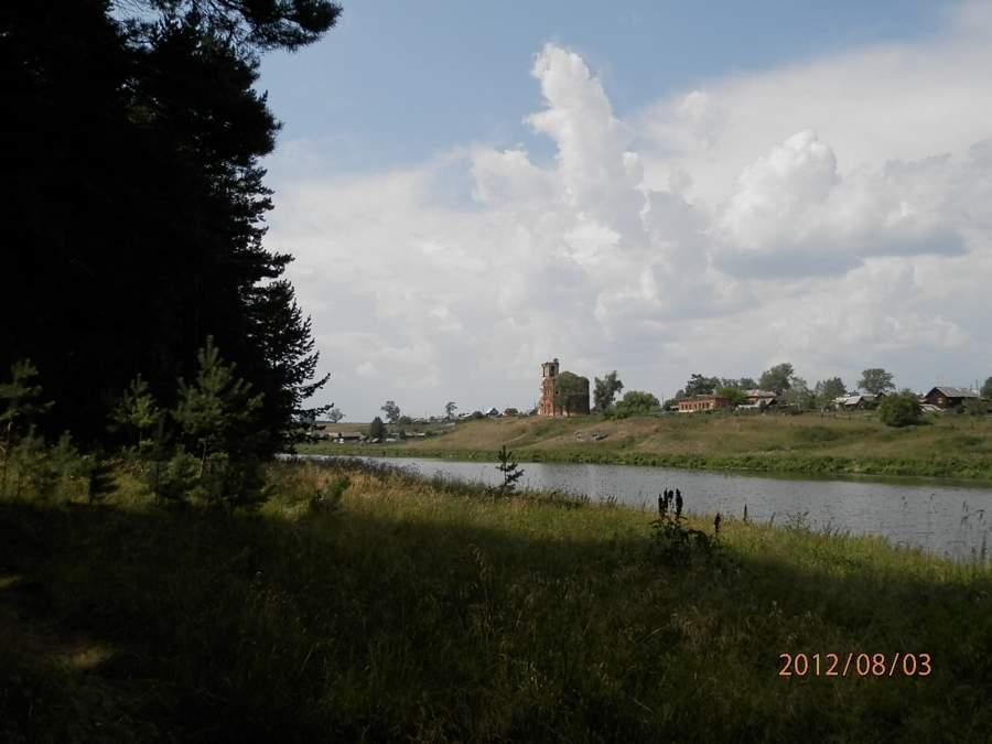 Порог Бурган-Ревун, Смолинская пещера и Смолинский камень (Чёртов палец) Свердловская область